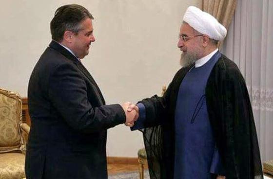 Gute Freunde kann niemand trennen: Sigmar Gabriel (links) und Hassan Rouhani, Teheran, 20. Juli 2015