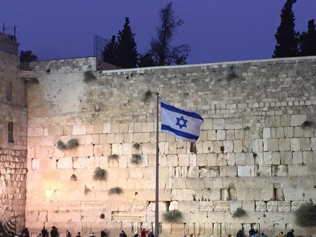 Ein paar Fragen für das Jahr 2017 an alle Israelkritiker (tapferimnirgendwo.com)